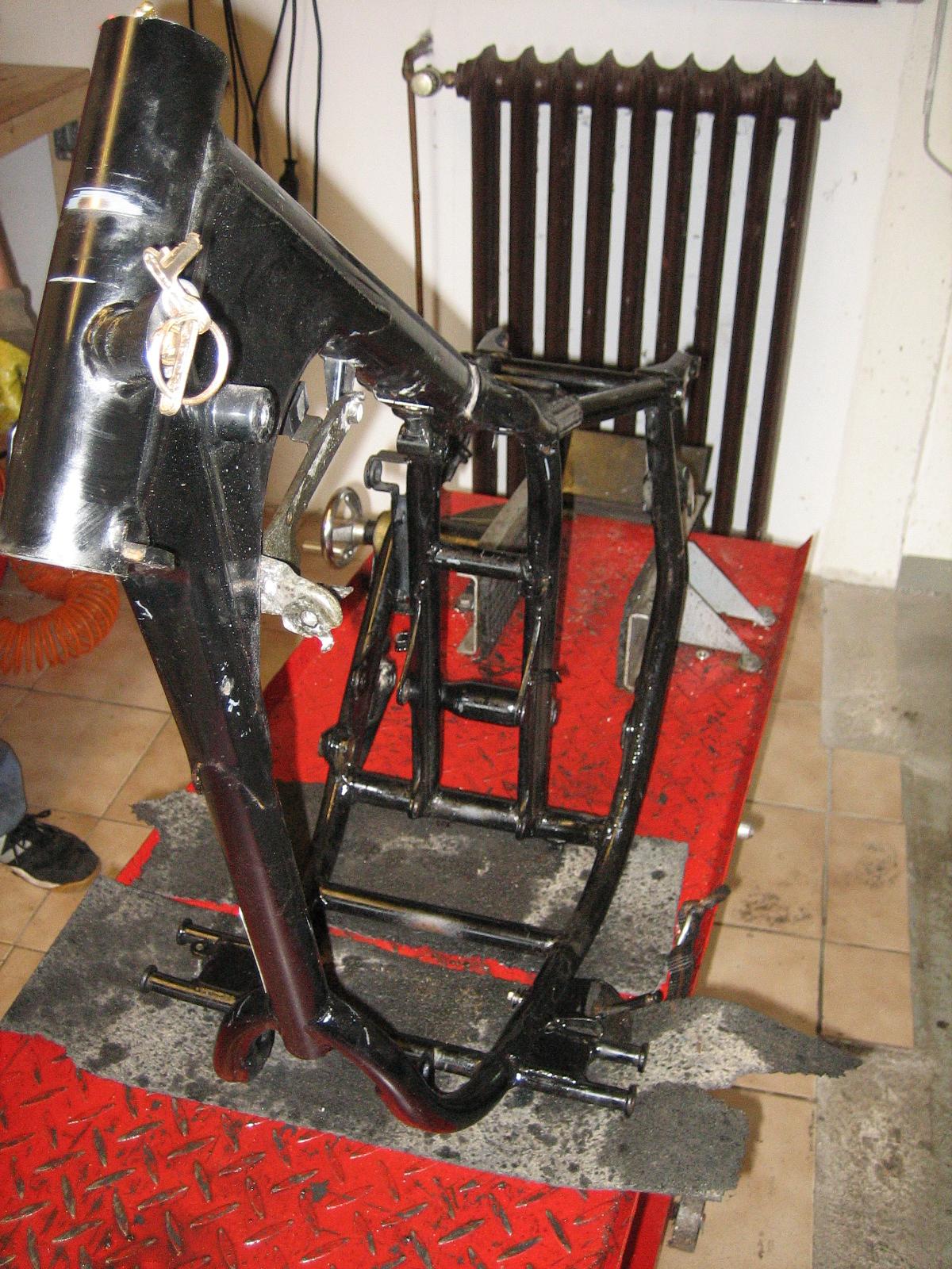 honda ca 125 rebel rahmen mit brief motorradteile berndorf. Black Bedroom Furniture Sets. Home Design Ideas